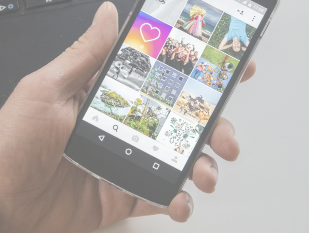 Want to increase Instagram engagement? I used this trick to get 200+ comments on one post!